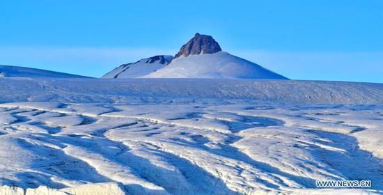西藏普罗格·康格里冰川风光