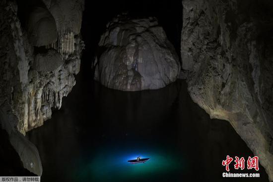 探索越南世界上最大的溶洞Hang Son Doong