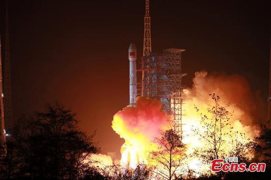 中国发射新的移动通信卫星天通1-03