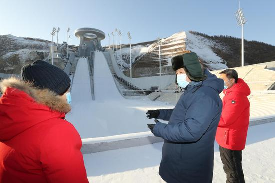 Xi underlines boosting winter sports through tech innovations