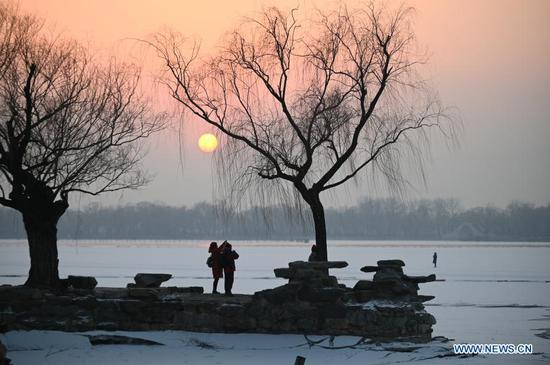 在北京颐和园的日落美景