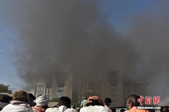 印度COVID-19疫苗生产中心发生大火,造成至少5人死亡