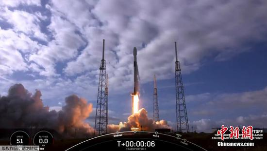 SpaceX smashes record with launch of 143 satellites