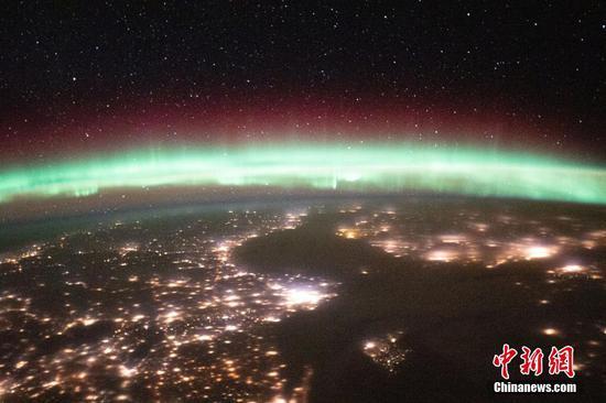 从太空站看到的惊人极光