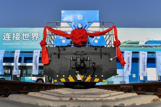 中国首次推出自主研发的氢燃料电池混合动力机车