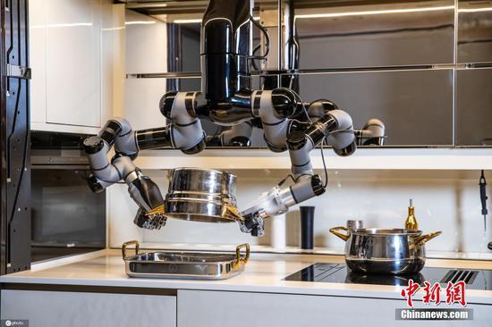 认识可以煮甚至清洗的机器人厨师