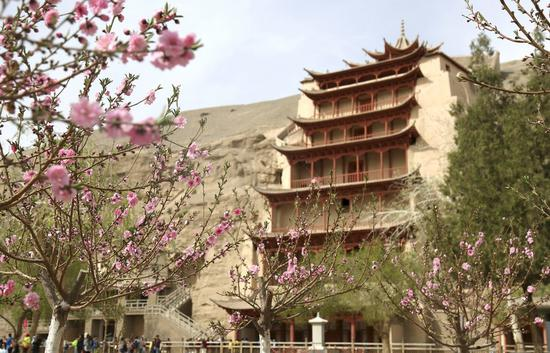 China's Gansu steps up protection of grotto temples