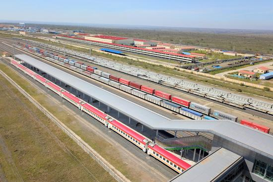 Xi lauds China-CEEC progress in Belt and Road cooperation