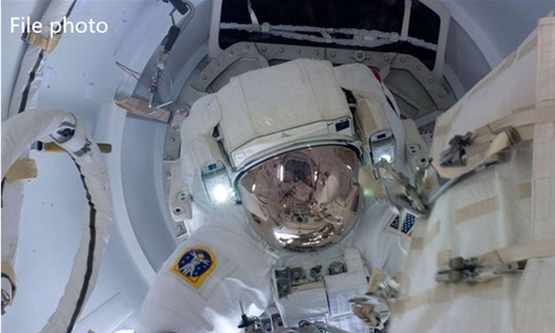 Chinese astronauts in EVA training for space station mission