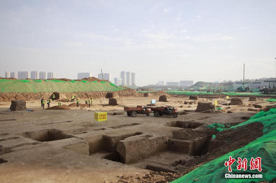 Thousands of relics discovered during Spring Festival dig in Xi'an