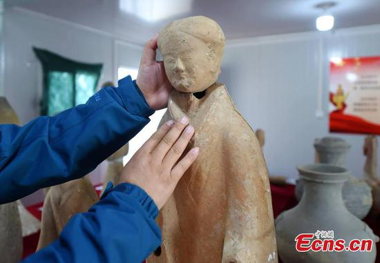 Complete potteries of women tomb figurines 2,000 years ago unearthed in Henan