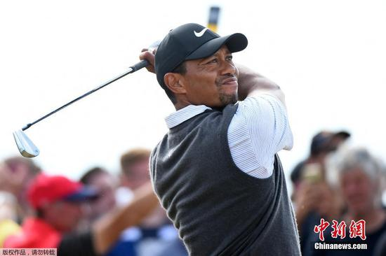 Tiger Woods awake, responsive from emergency surgery after car accident