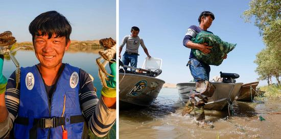 Combo photo shows Memejan Gheni, a crab catcher, displaying his fresh catch on Sept. 14, 2020 (L) and carrying a bag of crabs off the boat on Sept. 16, 2020 (R) in Mongolian Autonomous Prefecture of Bayingolin, northwest China's Xinjiang Uygur Autonomous Region. (Xinhua/Zhao Ge)