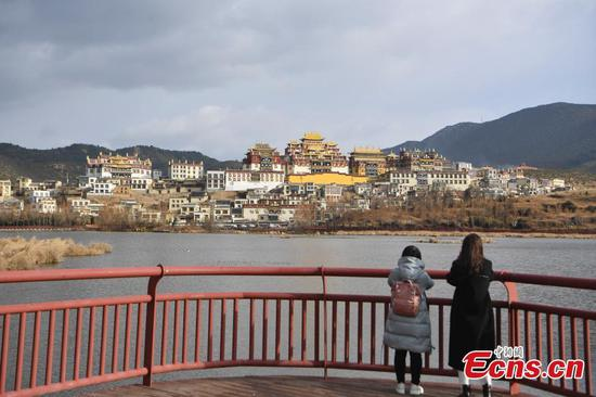 Gedan Songzanlin Lamasery in Shangri-La attracts tourists