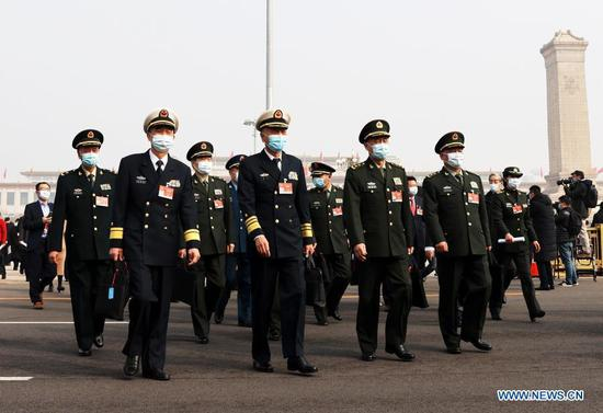 CPPCC members arrive for annual session