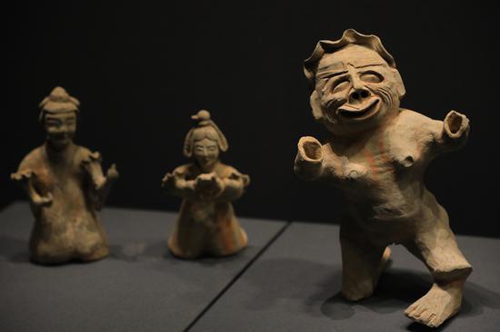 1000多年前的陶器遗物在郑州揭幕