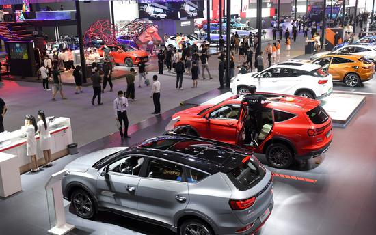 Carmakers to increase share in world's largest vehicle market