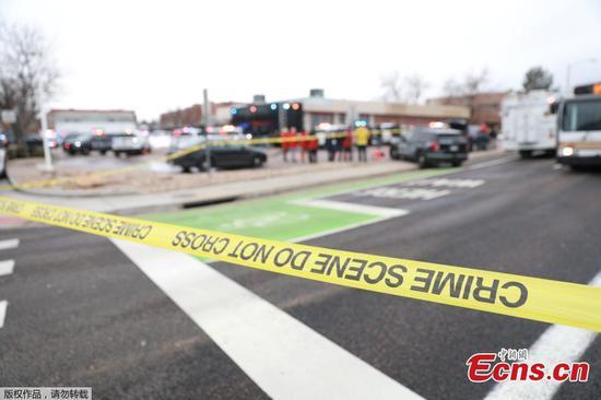 在美国科罗拉多州的大规模射击中至少有10次丧生