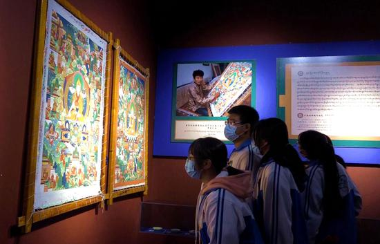 Exhibition of Lhasa's intangible cultural heritage opens at Tibet Yak Museum