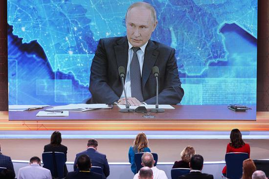 Russian parliament greenlights bill allowing Putin to run for two more terms