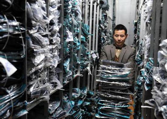 China's garment industry sees further recovery in first two months