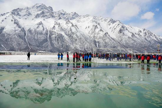 Dreamlike snow scenery in Lhari County, Tibet
