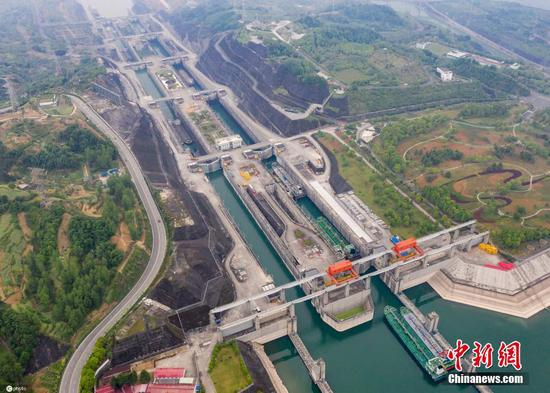 Three Gorges ship locks resume navigation after overhual