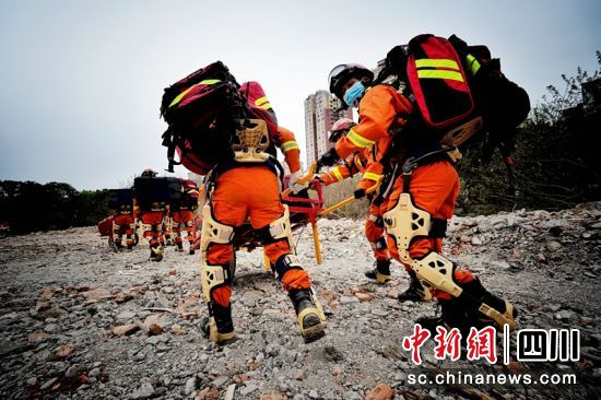 Chinese space firm delivers exoskeleton system to firefighters, enhances performance in fighting grassland, forestry fires