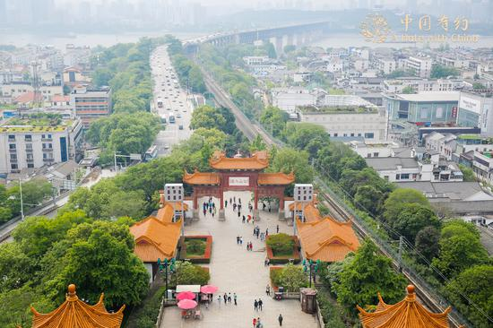 Wuhan's tourist industry gains momentum