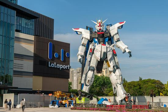 Life-size Freedom Gundam statue unveiled in Shanghai