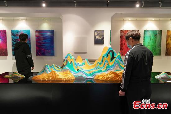 Winter Olympics Ice & Snow Art Exhibition Harbin attracts visitors