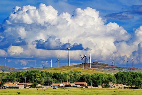 File photo shows a wind power plant in Zhangjiakou, North China's Hebei province. (Photo/Xinhua)
