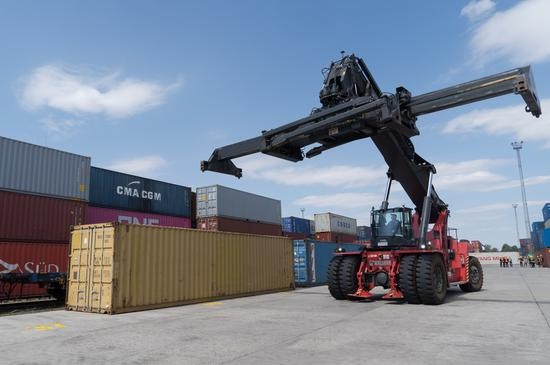 China-CEEC trade up 50.2 pct in Q1