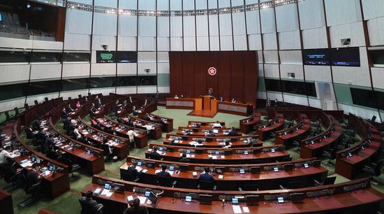 Hong Kong law improving oath-taking arrangement for public officers to take effect on May 21