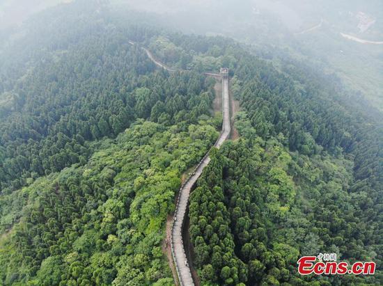 Magnificent views of Jinlong Great Wall in Chengdu
