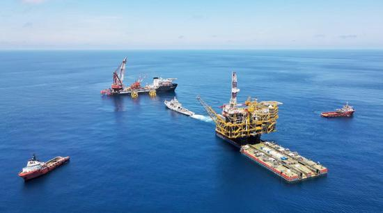 China makes headway in construction of new offshore oil platform