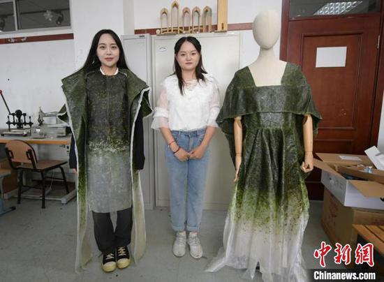 College student in NE China's Jilin creates edible clothes