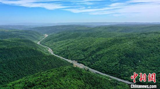 Massive expressway in Shaanxi to open to traffic at end of June