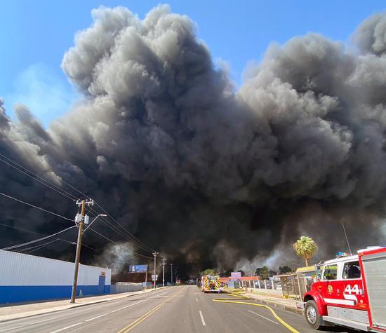 Massive Phoenix fire destroys several businesses