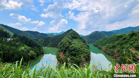 Ecological Civilization: Building a Shared Future for All Life on Earth. (Photo/China News Service)