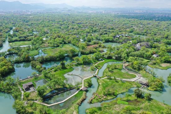 Aerial photo taken on April 1, 2020 shows the scenery of the Xixi National Wetland Park in Hangzhou, east China's Zhejiang Province. (Xinhua/Weng Xinyang)