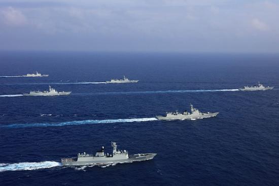 U.S. destroyer transits Straits, causes provocation