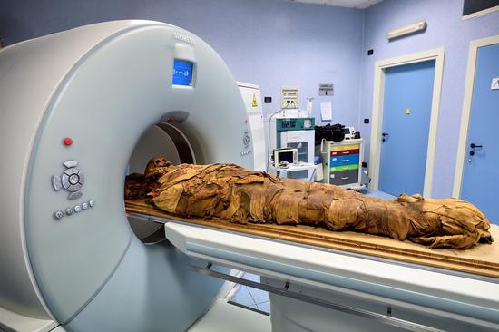 Milan hospital uses CT scan to discover secrets of Egyptian mummy