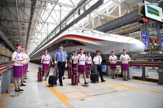Fuxing intelligent bullet train to be put into service on railway linking Chengdu, Chongqing