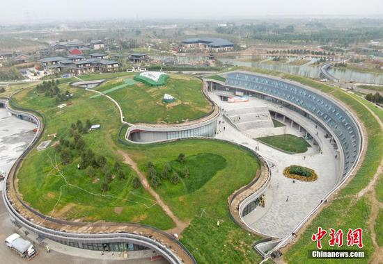 Explore China's largest suburb park in Xiongan New Area