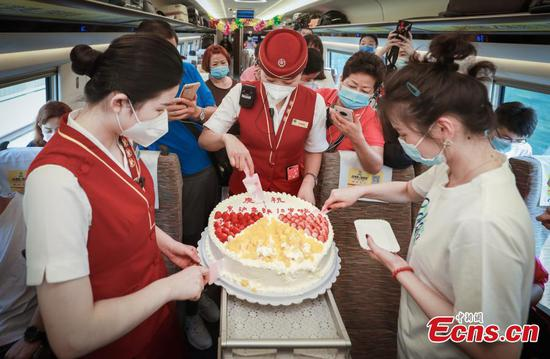 Beijing to Shanghai high-speed railway welcomes its 10th anniversary