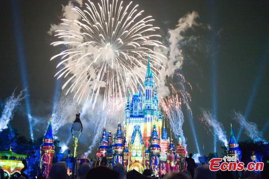 Firework show back to Walt Disney World Resort in Orlando