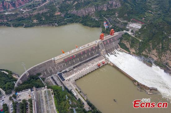 Sanmenxia Dam regulates water flow and sediment in response of flooding season