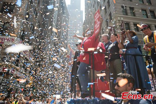 NY holds ticker-tape parade to salute health care workers