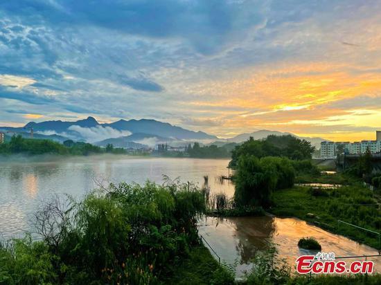 Poetic sunset scenery seen after rain in Hubei
